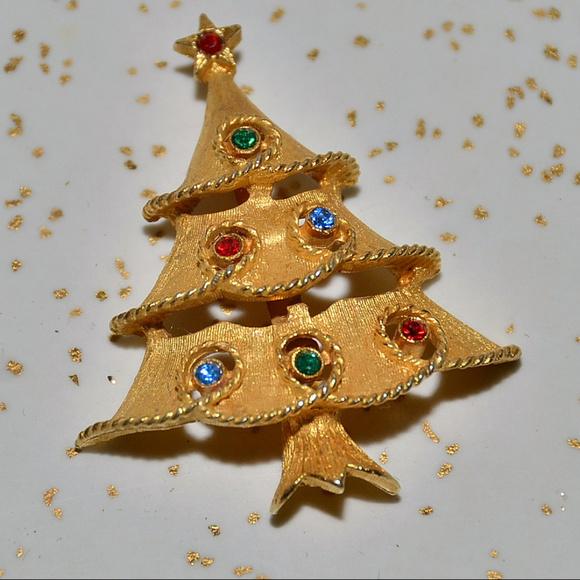 22f00e628 vintage JJ rhinestone Christmas tree brooch pin. M_5b9a2ec38ad2f9192de0cfb9